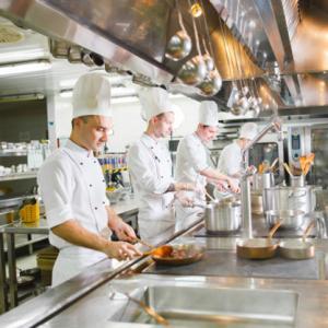 مدیریت آشپزخانه و تحویل غذا